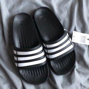 NWT Kids Adidas Duramo Slippers Slides Sandals